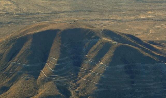 丰富的稀土元素 包括美国最大的重稀土矿床