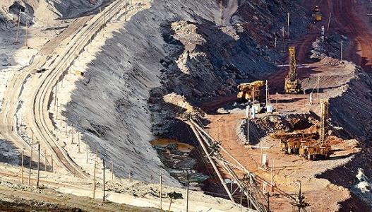 """Macarthur Minerals在西澳大利亚Lake Giles铁矿项目的填充资源钻探进展"