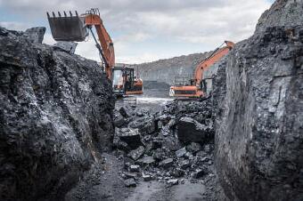 """""""激励对采矿和矿产勘探至关重要的私营部门"""